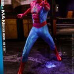 hot-toys-spider-man-spider-armor-mk-iv-suit-sixth-scale-figure-vgm43-img06