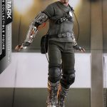 hot-toys-tony-stark-mech-test-version-sixth-scale-figure-iron-man-marvel-img01