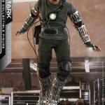 hot-toys-tony-stark-mech-test-version-sixth-scale-figure-iron-man-marvel-img02