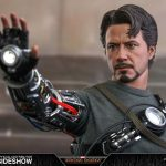 hot-toys-tony-stark-mech-test-version-sixth-scale-figure-iron-man-marvel-img07